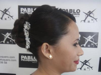 Recogido mujer para bodas en Valencia - Pablo peluqueros