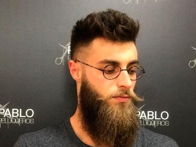 Barbería moderna en Valencia - Pablo peluqueros